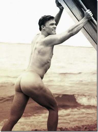 Alan ritchson nude
