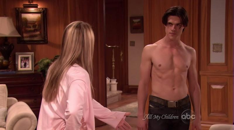Finn Wittrock in Underwear