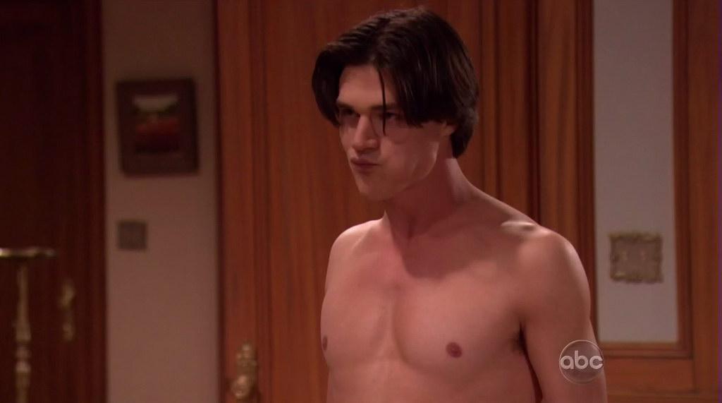 New Finn Wittrock Nude Scene
