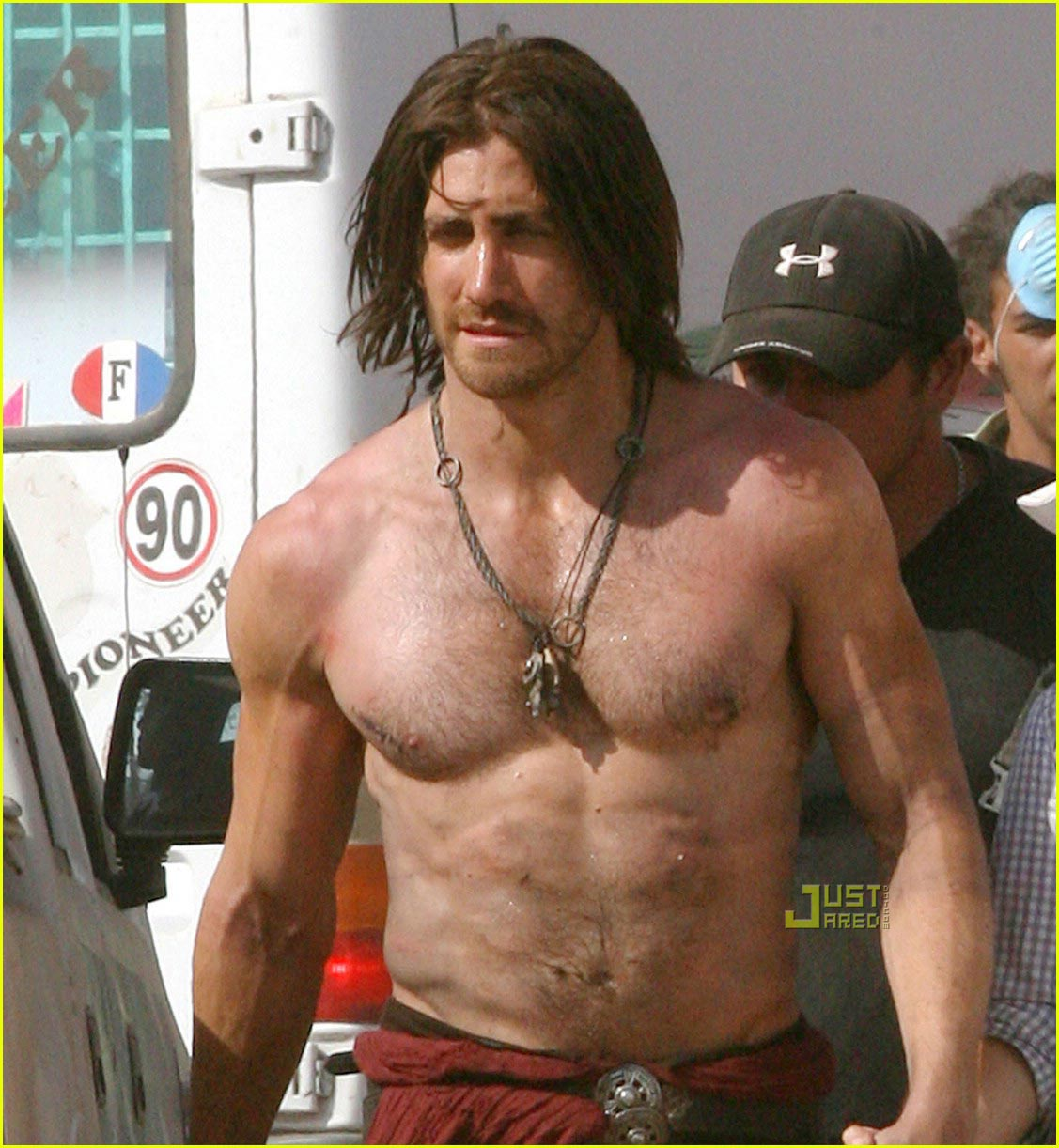 jake-gyllenhaal-shirtless-prince-of-persia1.jpg
