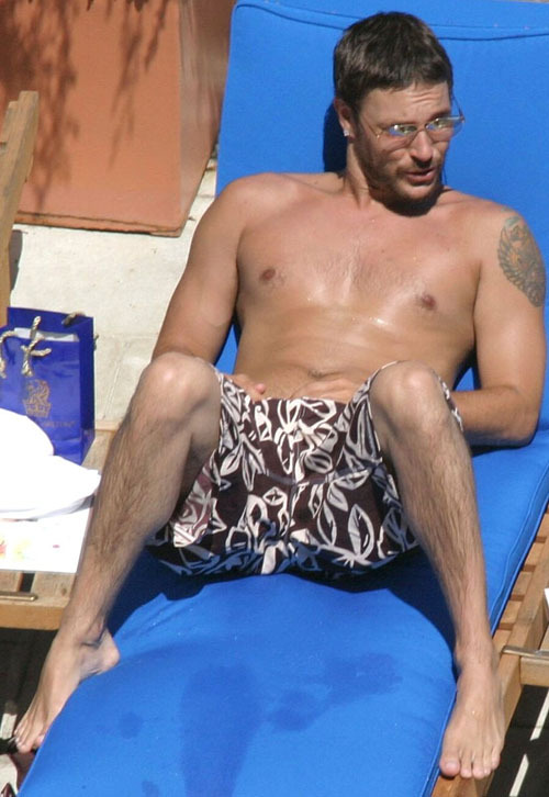 Kevin federline's naked poolside romp