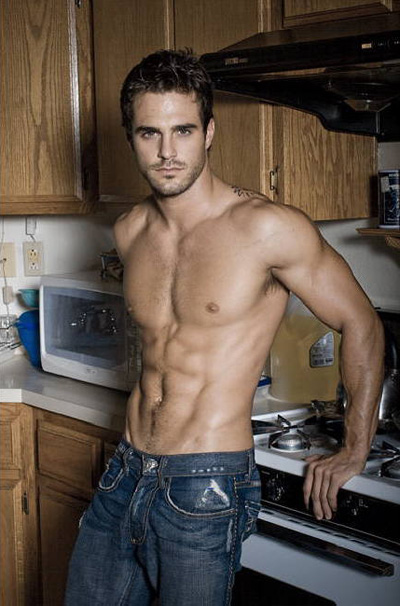marco-dapper-shirtless1