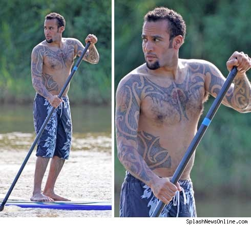 ben-harper-shirtless