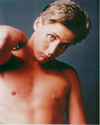 emilio-estevez-shirtless