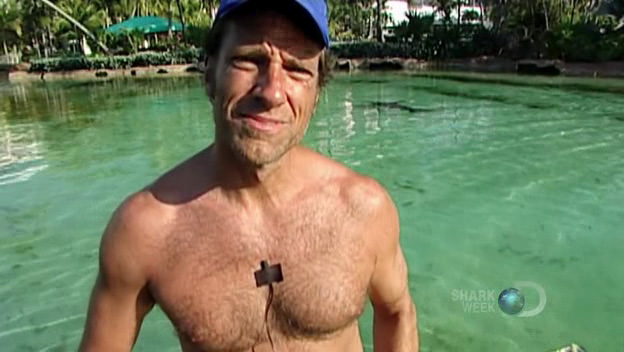 ... we thought we'd keep it rolling with Mike Rowe shirtless pics.