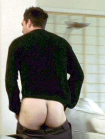 Mark Ruffalo has a nice hairy body and a great naked ass
