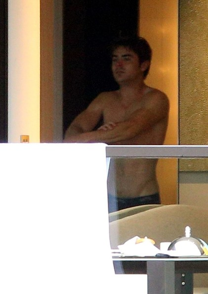 paparazzi-pictures-of-naked-celebs