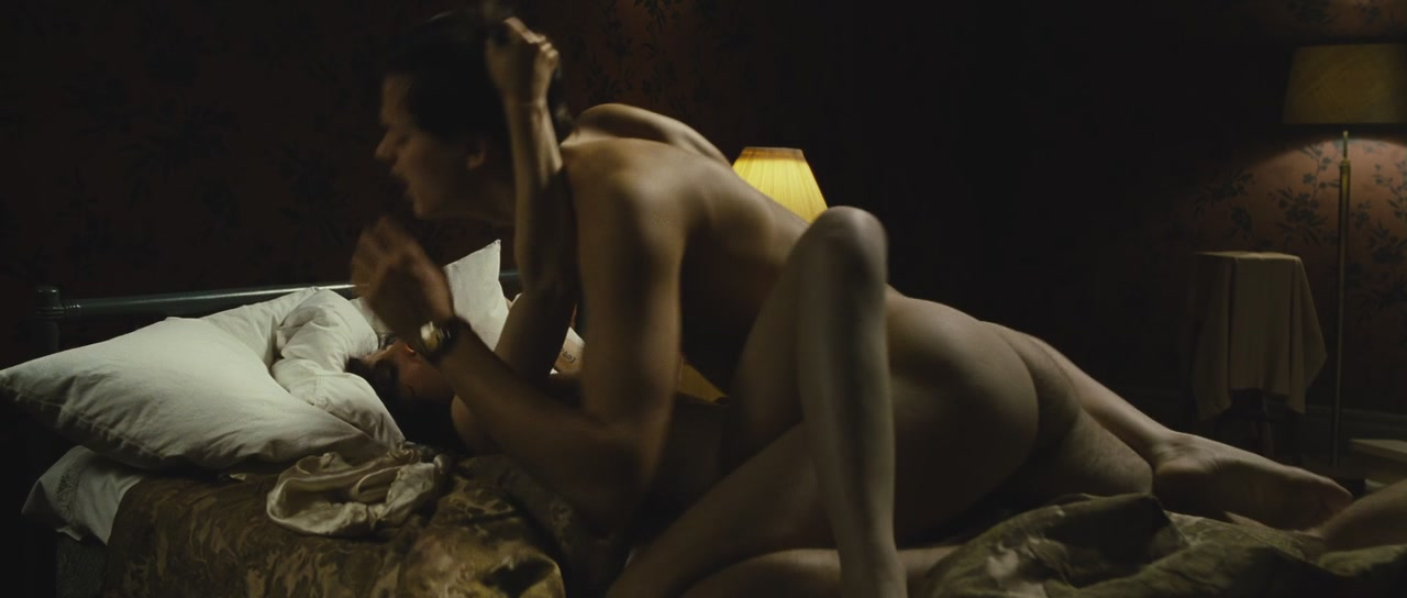 Emily deschanel topless pics