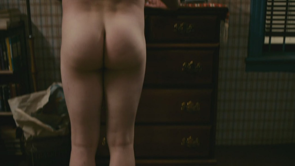 Michael C. Hall Shows His Nude Butt
