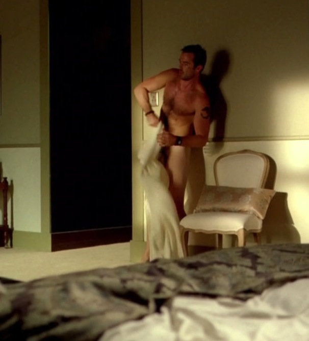 Sullivan Stapleton full frontal